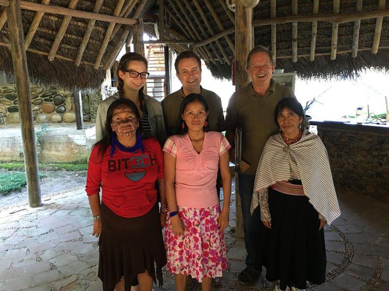 Pieter Muysken (rechtsboven) onderzocht uitstervende talen in Latijns-Amerika.  Beeld