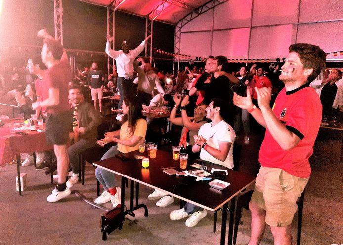 3-0 voor de Rode Duivels. De grote euforie wordt in D'Hoppe opgespaard voor de komende wedstrijden.