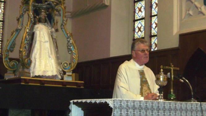 """Pastoor Eric Scheunis (69) krijgt opschorting van straf na bedreigingen en herleeft in Woonzorgcentrum Ocura: """"Ik mag van de bisschop pastoor blijven tot mijn laatste dag"""""""