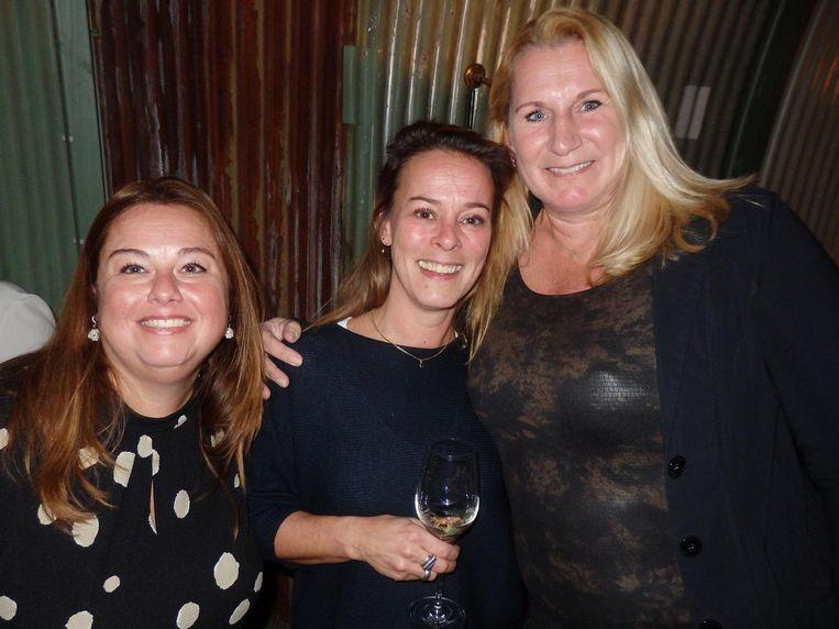Nog meer uit de Audaxtop: Claudia Bernard-Grego en Nadine van de Luijtgaarden, en receptioniste, steun en toeverlaat Sonja Derriks (vlnr) Beeld Schuim