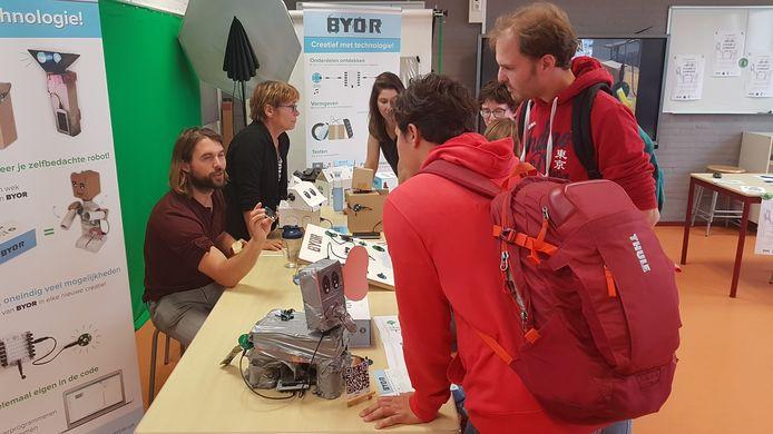 In september werd er in Den Bosch een 'Mobiel Ontdek Lab' geopend