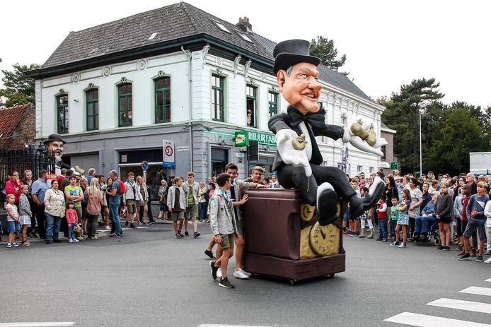 Reus Pierre Vertongen tijdens de reuzenstoet.