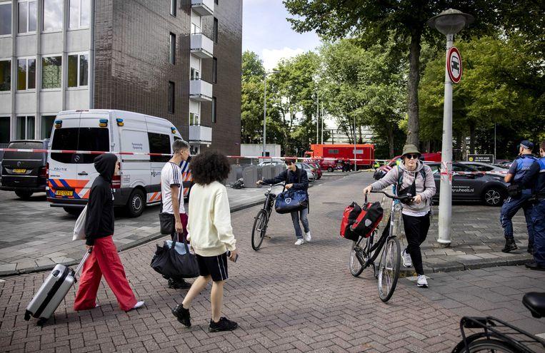 De brandstichting in een studentenflat aan de Krelis Louwenstraat in West was mogelijk lhbtq-gerelateerd. Beeld ANP