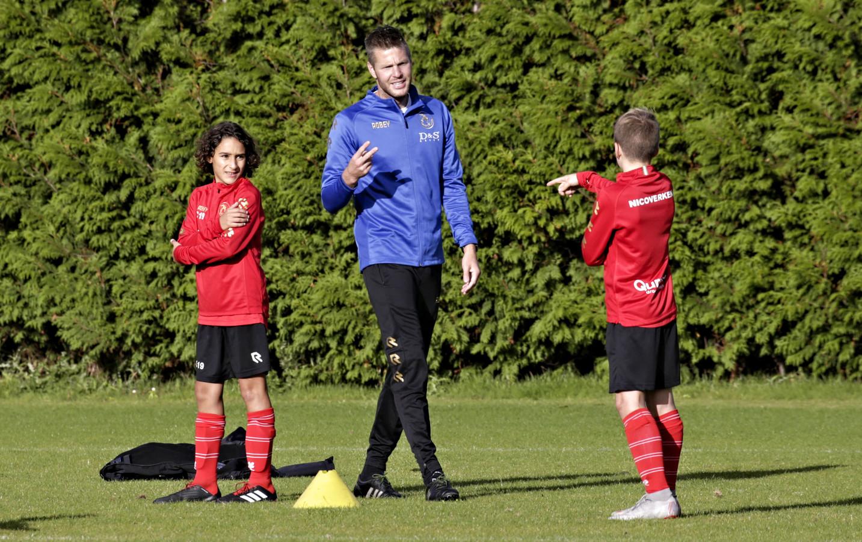 Johan Voskamp traint graag jeugd, zoals hier bij zijn oude club Sparta.