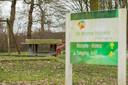 De buitenspeeltuin moet nog aangepakt worden. Dit staat waarschijnlijk pas eind december op de planning, schat Van der Weerden.