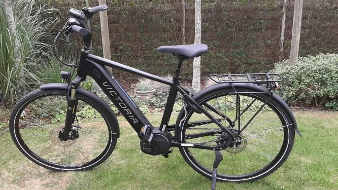 """Elektrische fiets gestolen onder neus van eigenaars: """"Meneer, u bent verkeerd, dat is de fiets van mijn papa!"""""""