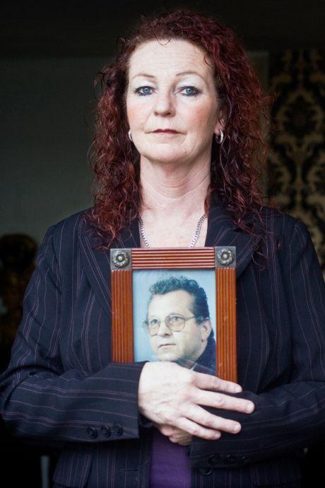 Als botten worden gevonden, hoopt Dineke dat ze van haar vermiste vader Adrie Knops zijn