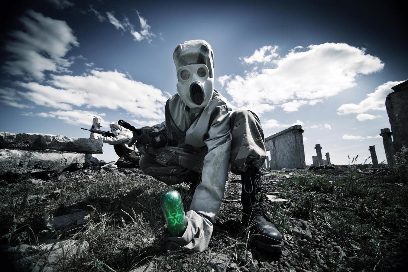 les documents découverts à l'université de Mossoul révèlent aussi des recettes pour fabriquer d'autres poisons mortels. L'EI projetterait de semer la terreur en Europe avec ces nouvelles pratiques.(illustration)