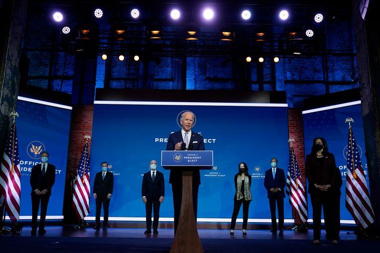 Afgelopen dinsdag presenteerden Biden en Harris een set kabinetsnominaties in The Queen theater in Wilmington.  Beeld AP