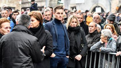 """Raymond Poulidor onder grote belangstelling begraven, Van der Poel neemt afscheid: """"Je was mijn grootste kampioen, papy"""""""