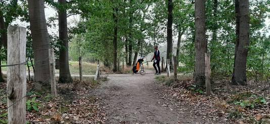 Dit onverharde wandelpad dwars over de golfbaan wil The Duke weg hebben en naar de zijkant verleggen.