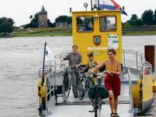 Fiets- en voetveertjes gaan weer in de vaart; per keer minder passagiers aan boord