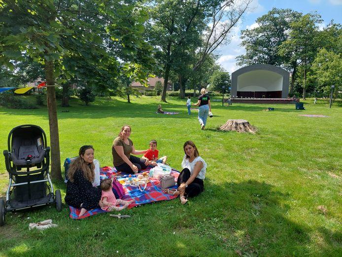 Met de picknicks wil Maasmechelen het samenhorigheidsgevoel bevorderen.