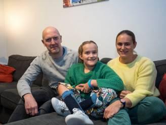 """""""Ze zou nooit iets kunnen, zeiden de dokters. Vandaag speelt Lore (9) rolstoelhandbal en piano"""": crowdfunding van start voor meisje met spina bifida"""