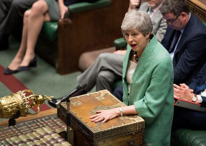 Huidig premier Theresa May verdedigde Darroch gisteren in het parlement.