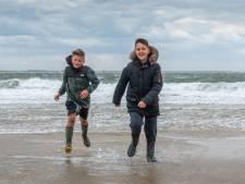 Niks is leuker dan harde wind, vinden Sem en Don: 'Eindelijk een beetje vliegen'