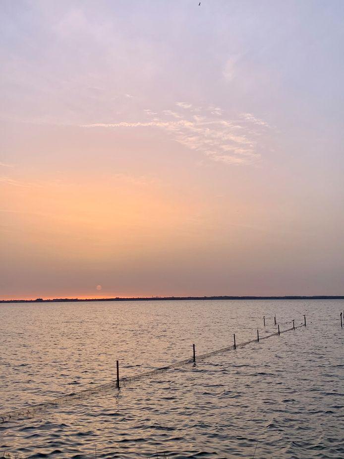 Zonsopkomst boven de Wolderwijd bij Zeewolde vanochtend. De foto is rond 8:00 genomen.
