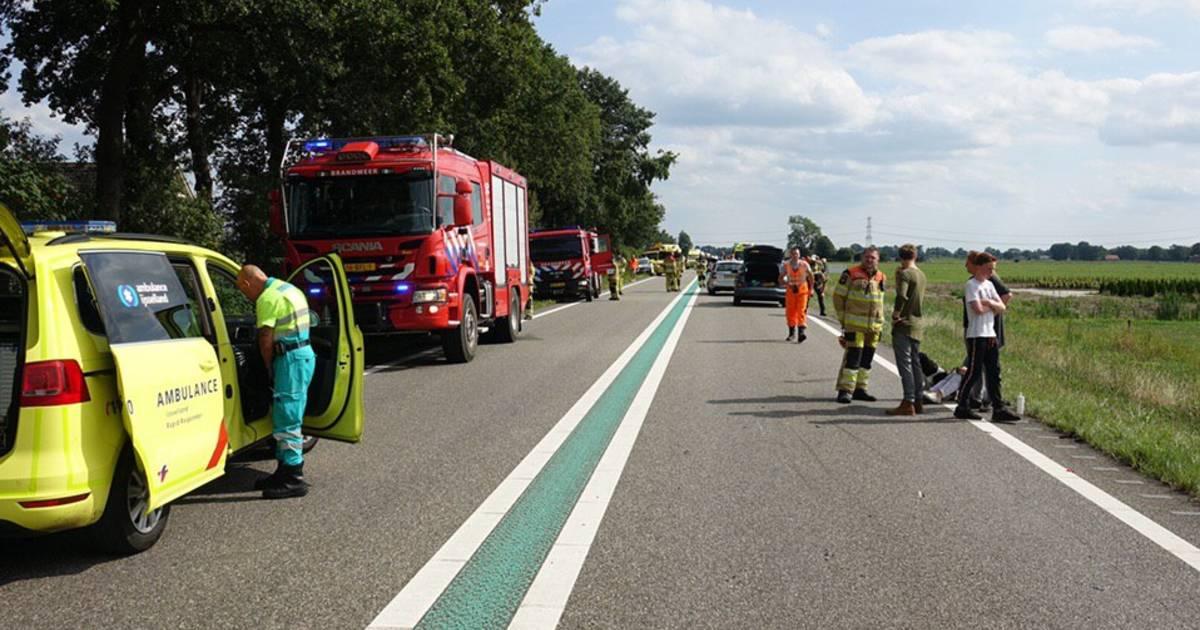 Enorme ravage en meerdere gewonden na ongeval N48 Balkbrug-Ommen.