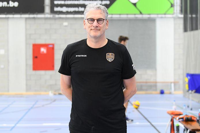 Trainer-coach Jan Van Huffel van Caruur Gent krijgt een spelerskern met uitgebreide mogelijkheden waaraan hij kan bouwen.