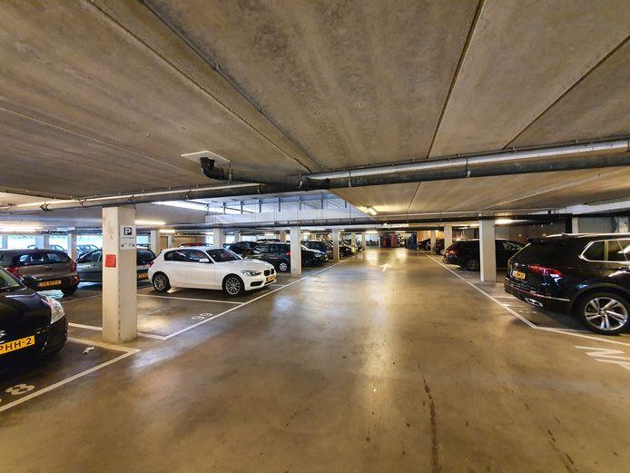 De parkeergarage onder Talent Square. 48 van de 141 plekken worden vanaf augustus geclaimd door verhuurder TBV Wonen.