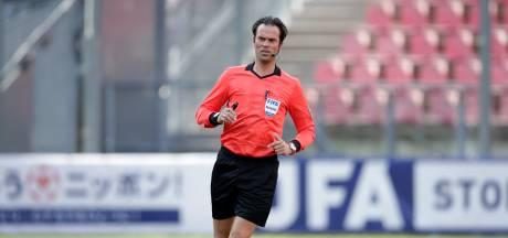 Vitesse-PSV wordt gefloten door Bas Nijhuis