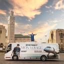 Mansouri reisde rond in zijn eigen tourbus, met zijn hechte crew.