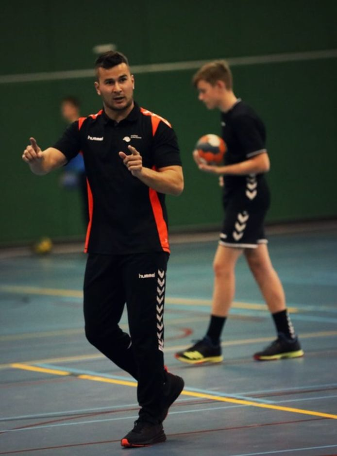Freek Gielen, coach van Handbal Houten.