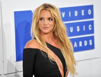 """Britney Spears rust na alle commotie uit op Hawaï: """"Ik heb plezier en ik geniet"""""""