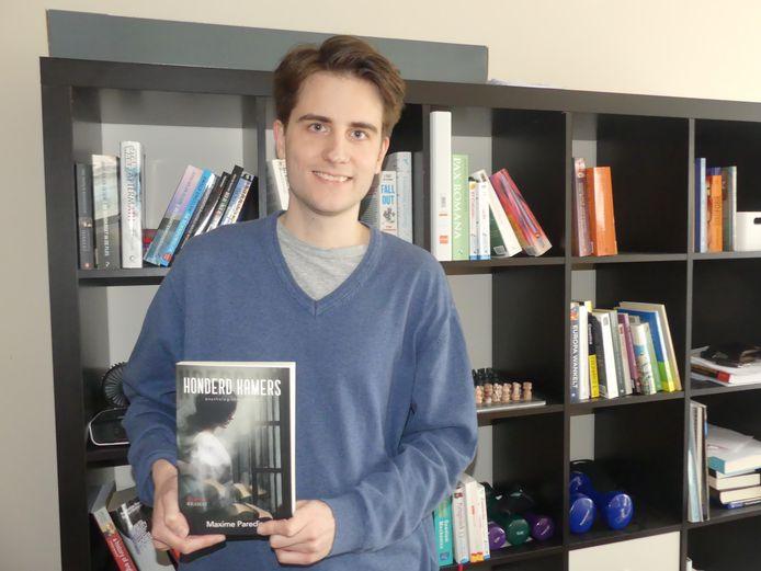 Ook Meigemnaar Maxime Paredis komt zijn debuutroman Honderd Kamers voorstellen in Standaard Boekhandel.