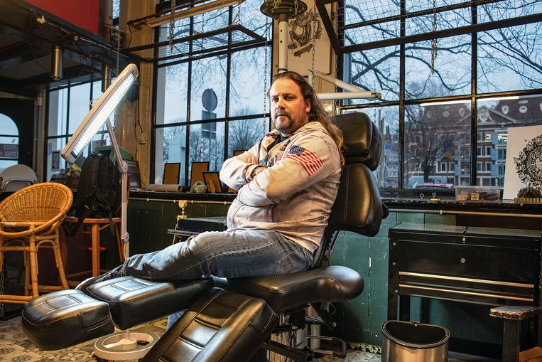 Het tatoeage-imperium van Peter van der Helm staat door de coronacrisis op instorten. Beeld Guus Dubbelman / de Volkskrant