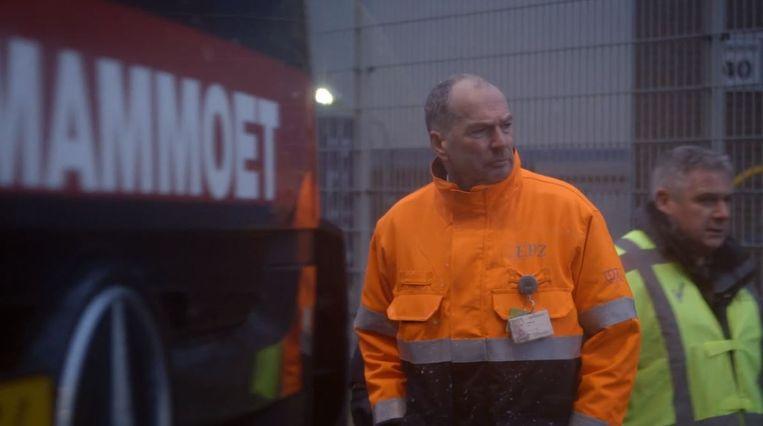 John de Nooijer, Security Manager van kerncentrale Borssele. 'Ga maar eens terug als je gelooft dat alles met wapens op te lossen is, zoals in Amerika. Ik vind dat een heilloze weg.' Beeld Still uit documentaire De Beveiligers door Anneloek Sollart