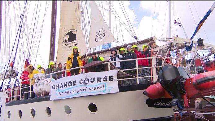 Anuna De Wever op weg naar Chili voor de klimaattop.