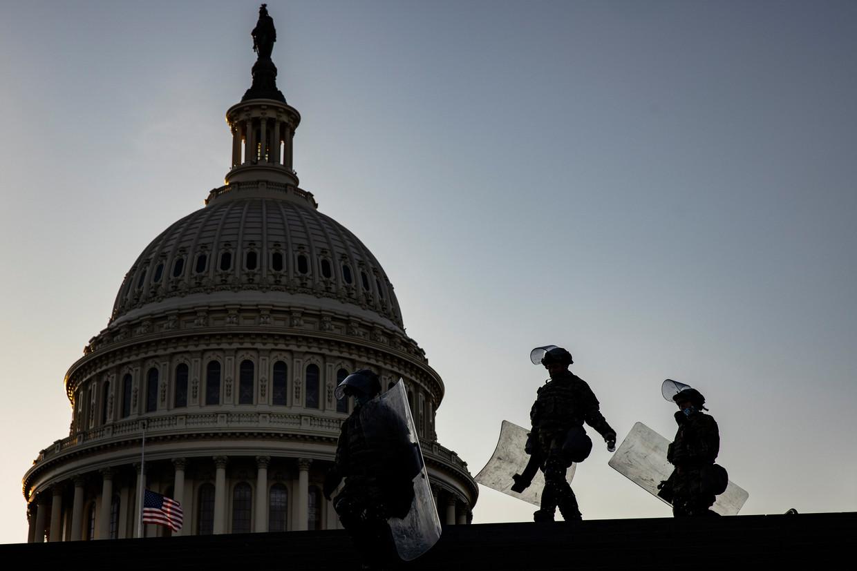 Nationale Garde-troepen bij het Capitool in Washington. Beeld EPA