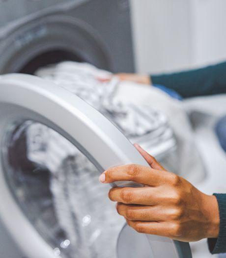 Un enfant décède après avoir été retrouvé dans une machine à laver qui avait été mise en marche