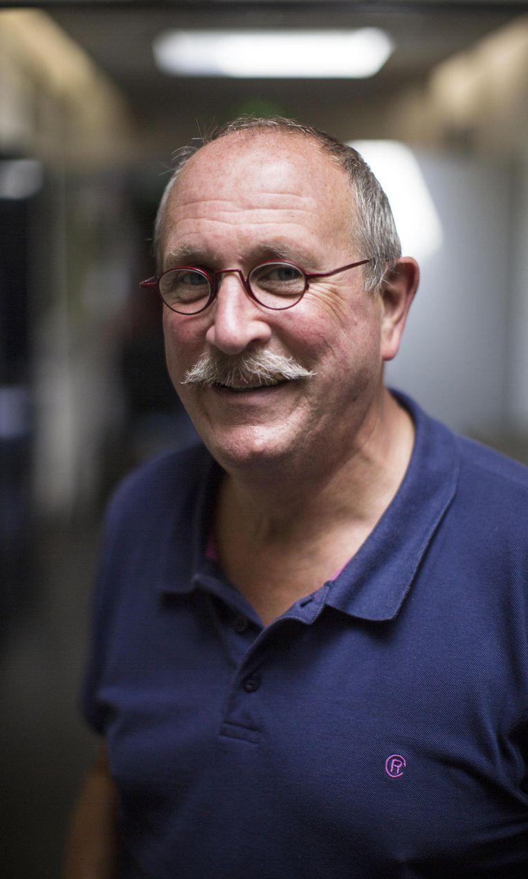 Leo de Rooij (buurtbewoner): 'We kunnen het beter zelf doen dan overgeleverd te zijn aan zo'n organisatie' Beeld Julius Schrank