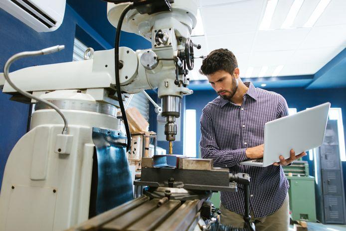 De arbeidsmarkt in Zuidoost-Brabant wordt geconfronteerd met toenemende krapte in technische beroepen, concludeert uitkeringsinstantie UWV.