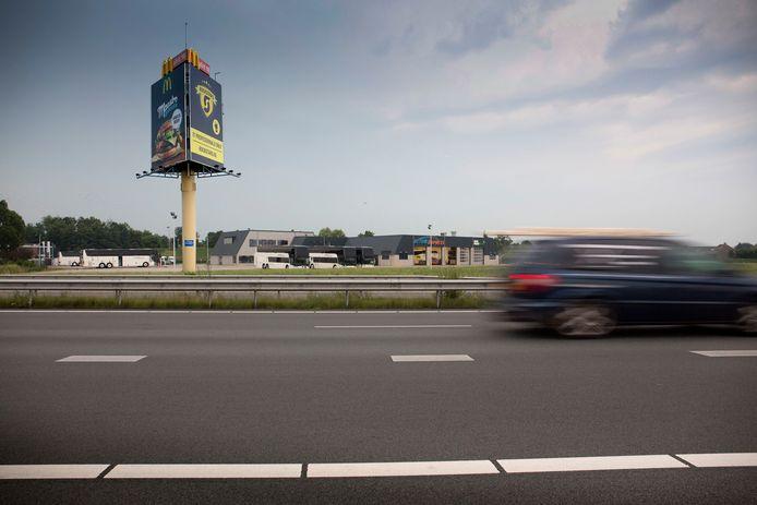 Neder-Betuwe wil geen grote LED-reclameschermen langs snelweg A15.