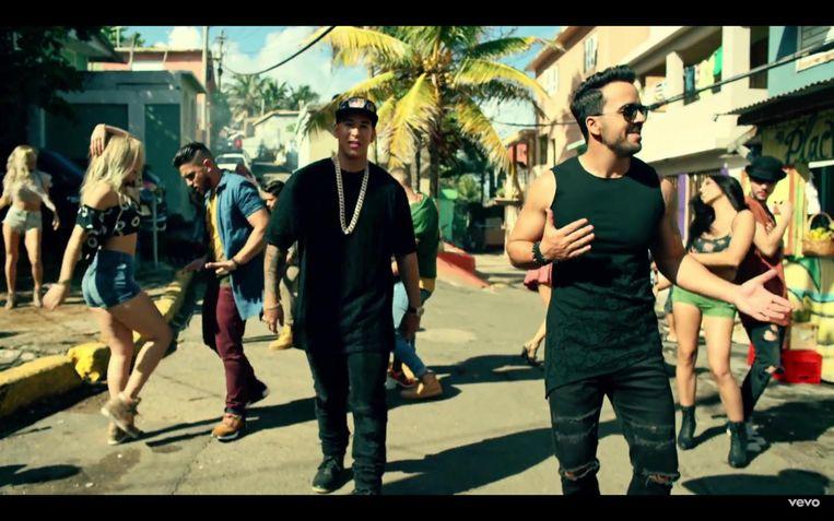 Daddy Yankee en Luis Fonsi in de videoclip van hun megazomerhit 'Despacito'. Beeld rv