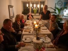 Monique kookt voor gasten in thuisrestaurant: 'Nieuwe mensen ontmoeten geeft sjeu aan het leven'