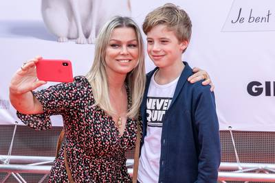 Bridget is trots op haar zoontje en NOS-Sjoerd stapt in huwelijksbootje