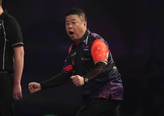 Paul Lim viert zijn zege in de voorronde.