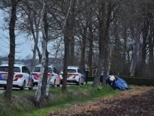 Automobilist heeft moeite met keren en belandt in sloot in Haghorst