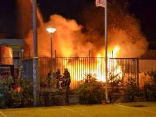 Uitslaande brand in oude autogarage in Bergen op Zoom