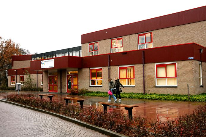 Eén van de gebouwen van het Isendoorn College in Warnsveld.
