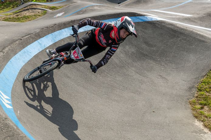 Merel Smulders in Eindhoven tijdens de Red Bull UCI Pump Track World championships