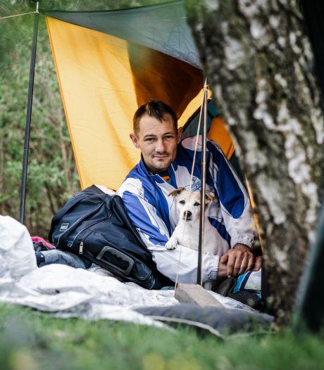 Dakloze Donny sliep in een tent en WhatsApp-fraudeurs trappen in eigen val: lees hier onze meest bijzondere verhalen terug