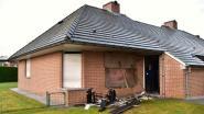 Bewoner brandend huis vlucht blootvoets naar brandweerkazerne