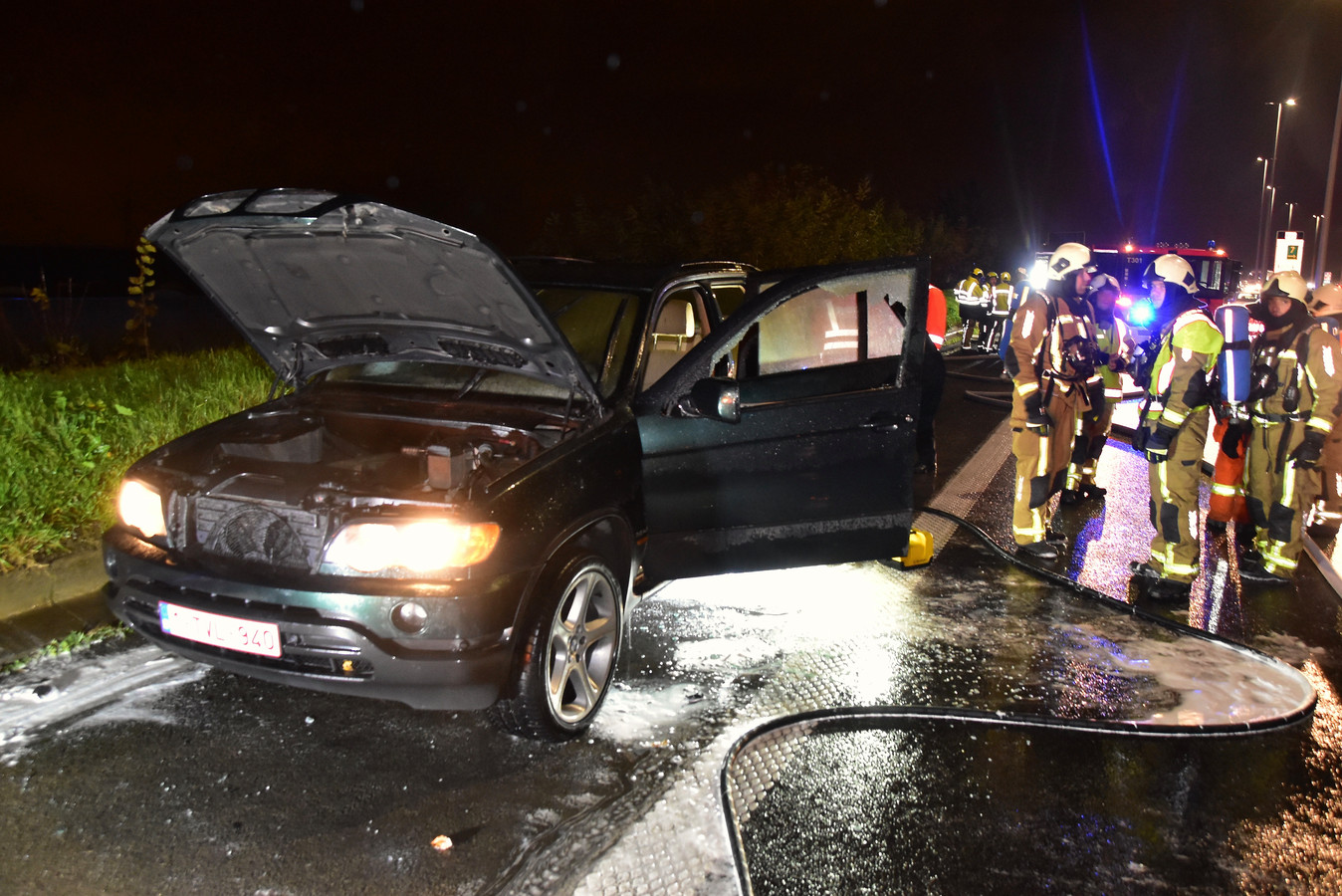 De schade aan de 18 jaar oude BMW X5 is aanzienlijk.