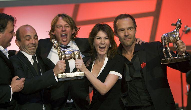 Alles is Liefde won twee Gouden Kalveren voor beste film en beste regie. Uiterst rechts Kim van Kooten en Joram Lürsen. ANP Beeld null