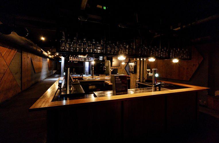De nachtclub Basis is al maanden gesloten. Door het coronavirus is het nog onduidelijk wanneer de discotheken en nachtclubs weer open mogen. Beeld ANP